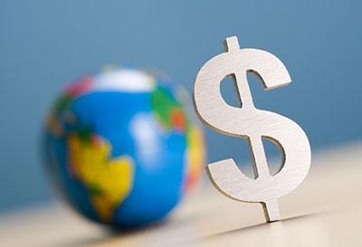 Доллар опустился на фоне слабых макроданных, европейские индексы понижаются